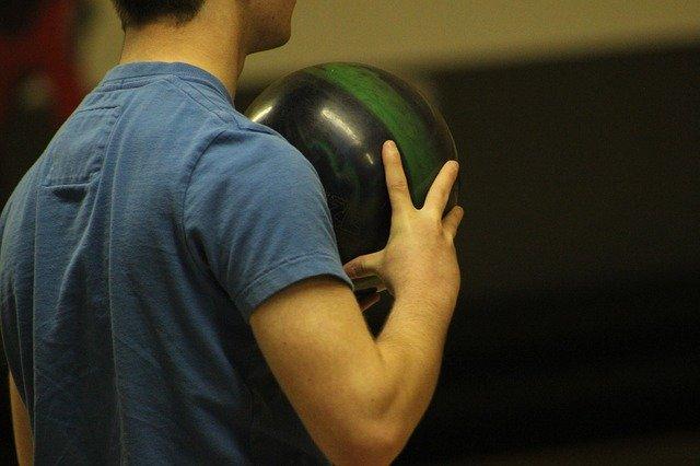 bowling-335180_640.jpg