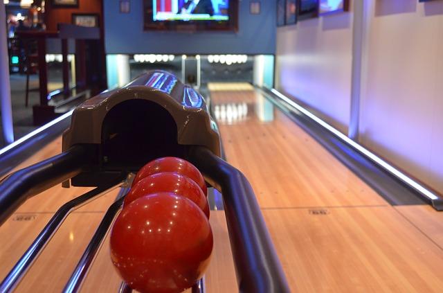 bowling-358247_640.jpg