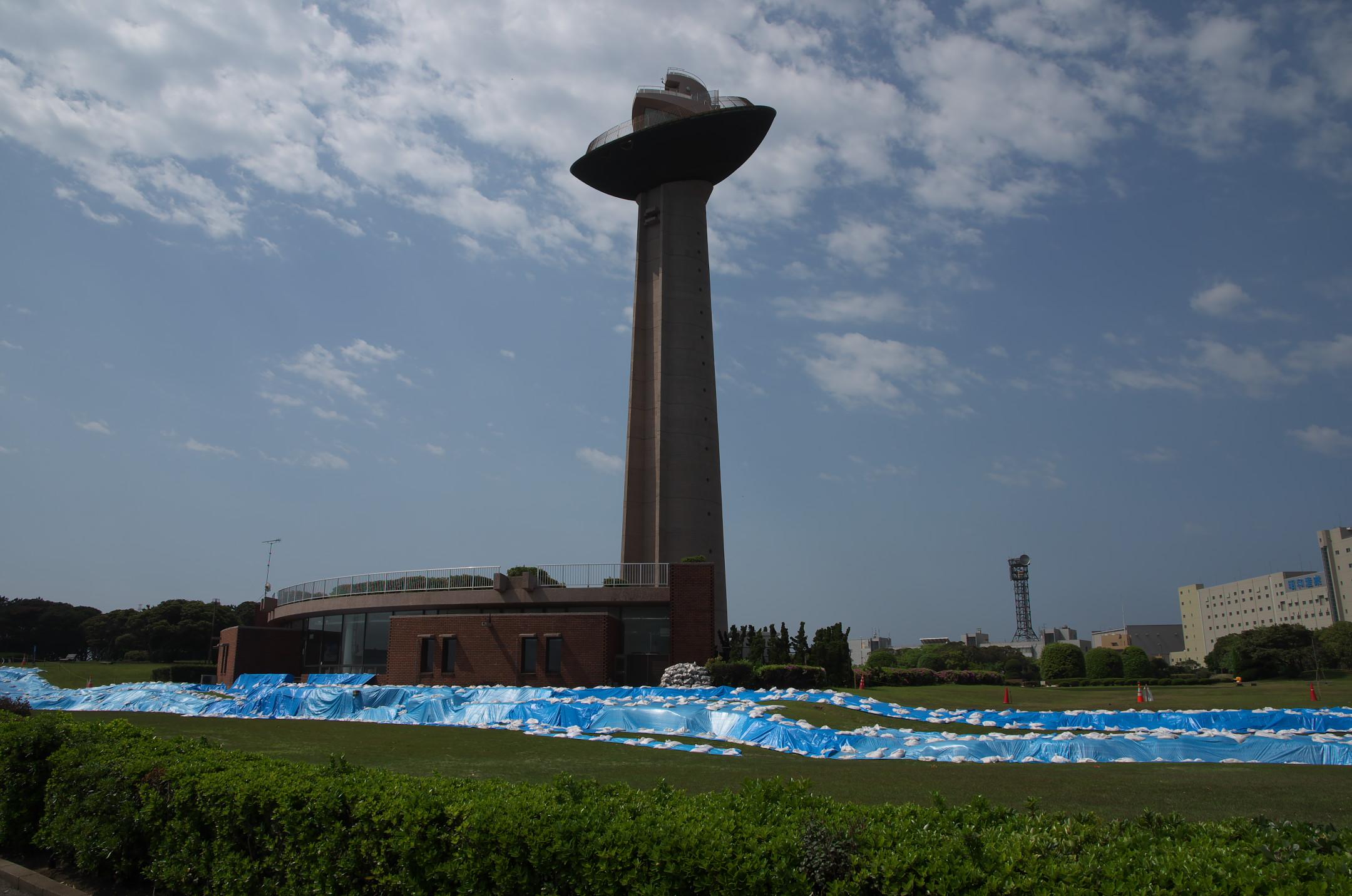 東日本大震災で被害を受けた港公園