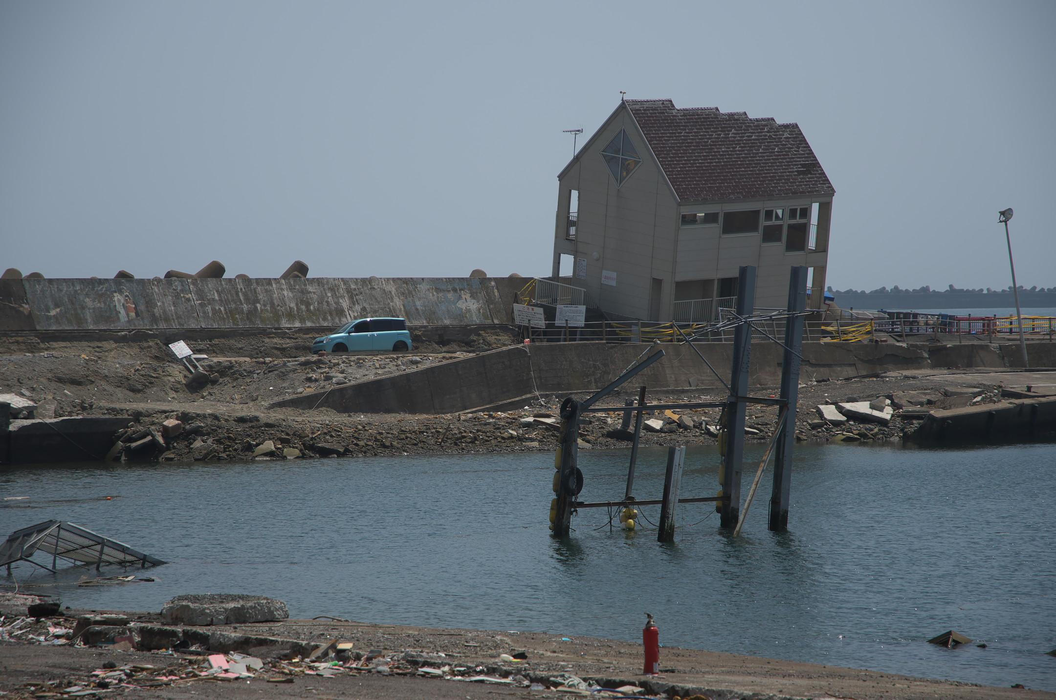 東日本大震災で鹿島港は壊滅的被害