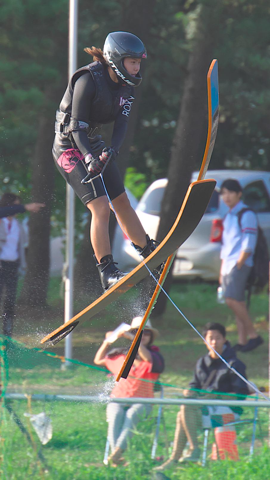 ジャンプ!真田紫帆選手(早)