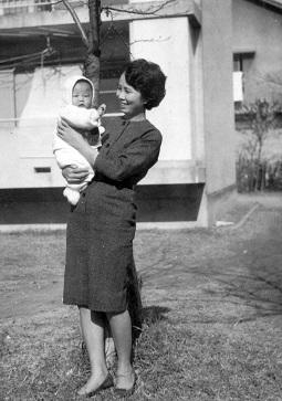 53年前の私と母