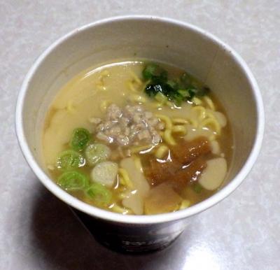 2/8発売 極どろ 特濃こってり鶏白湯ラーメン(できあがり)