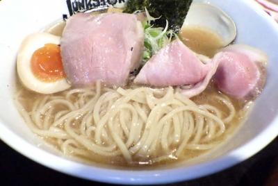 JUNK STORY 濃厚貝出汁味噌(麺のアップ)