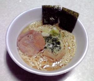 麺屋一燈 芳醇香味塩そば(カップ版 2015年)(できあがり)