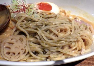 麺と心 7 濃厚雲丹のスープまぜそば(麺のアップ)