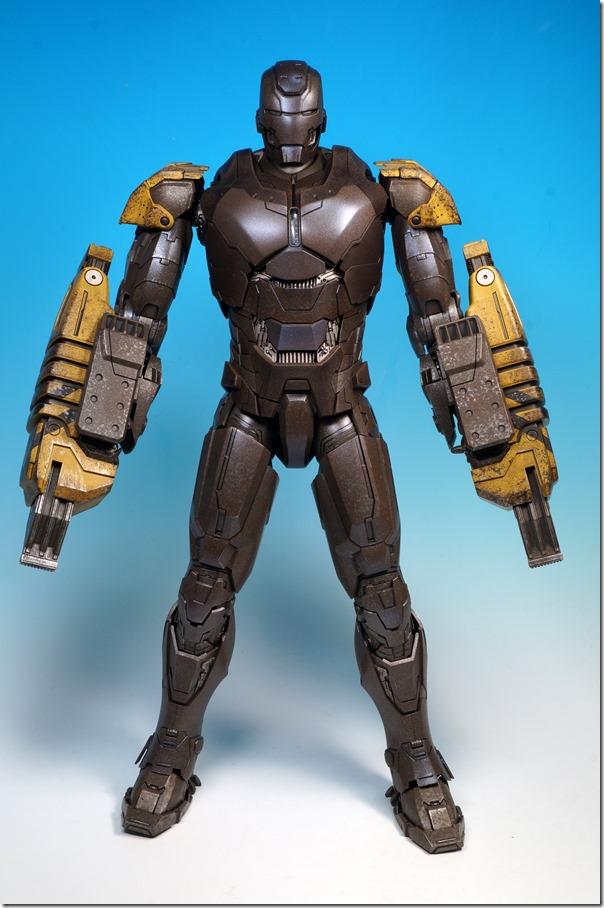ホットトイズ アイアンマン ストライカー01