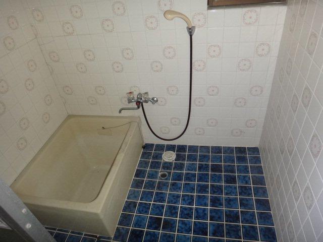 bath_before.jpg