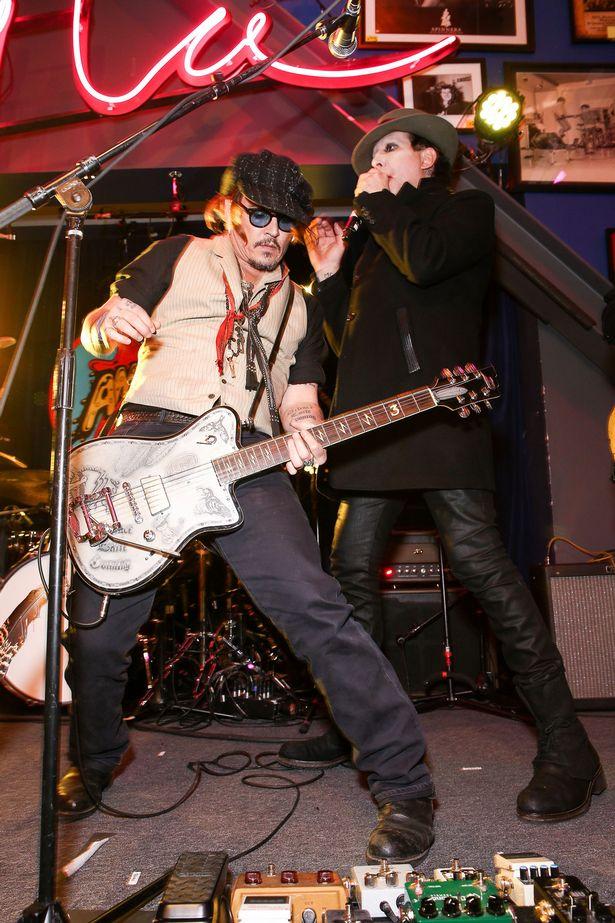 Johnny-Depp-Marilyn-Manson1142.jpg