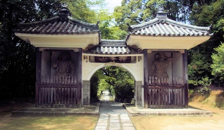 満願寺・山門