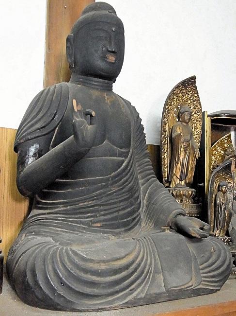 奈良県大和郡山市・西方寺・如来形坐像