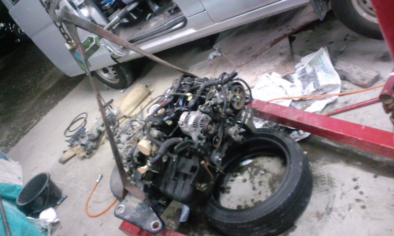 S320V_engine_nosekae08.jpg