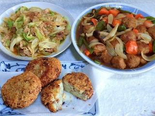 151106_3578キャベツと豚肉のコチュジャン炒め・酢豚(鶏団子)・ポテトコロッケVGA