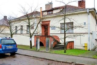 160105_老朽化が進む「旧在リトアニア日本領事館(カウナス)」AAgmmK2