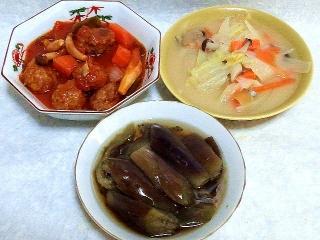 160311_3827鶏団子のトマト赤ワイン煮込み・白菜のクリーム煮・茄子の煮浸しVGA