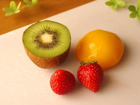 簡単オレオとカラフルフルーツのジャーショートケーキ02