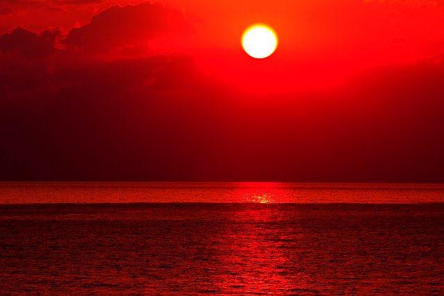 Le lever du soleil (一人渚に佇めば)