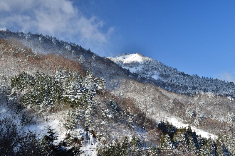 「雪山景」