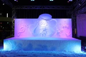 去年の雪ミク雪像