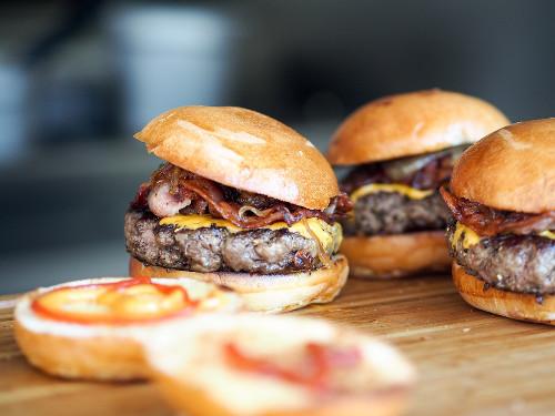 burger-731298_960_720.jpg