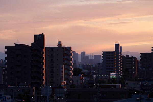 夕景名古屋の街