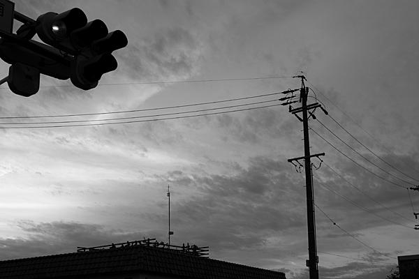 電柱と信号機