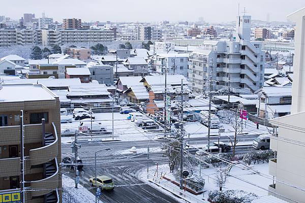 雪の出来町通