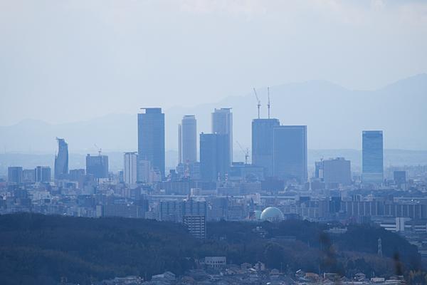名古屋駅前ビル風景