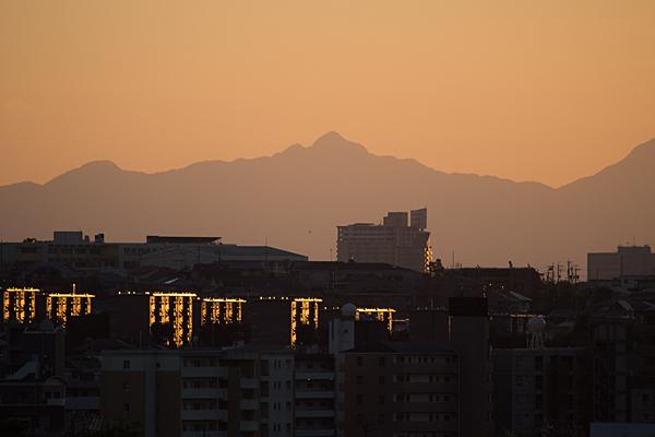 夕暮れ山並み