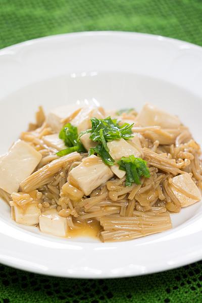 豆腐とエノキダケ