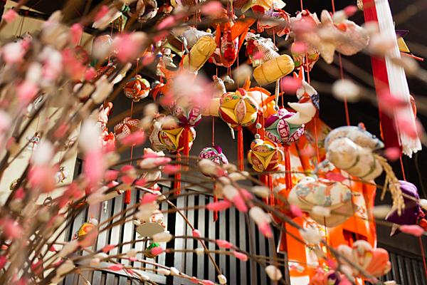 餅花と吊し雛