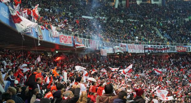 『サッカーサポーターって何のためにいるの?』〜 FIFAクラブワールドカップジャパン2015 南米サポーター「赤い集団」の迷惑行為から考えるサポーターの本当の存在意義とは?