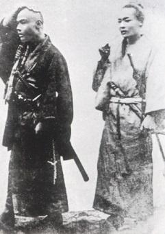 榎本武揚助命のため剃髪した黒田清隆(左)
