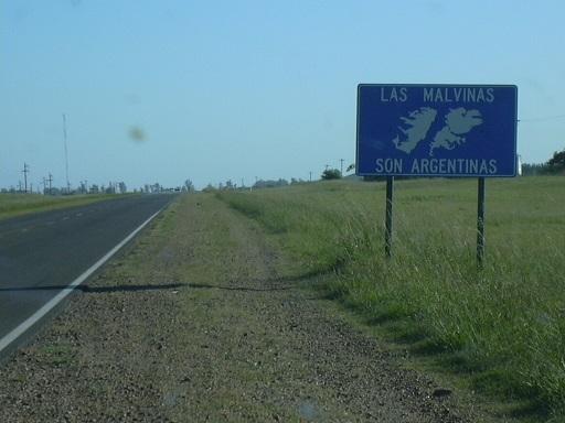 自国の領有権を主張するアルゼンチン、エントレ・リオス州の看板