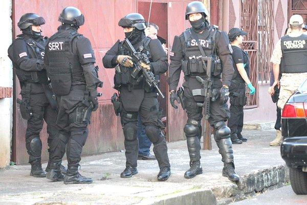 コスタリカの警察 2