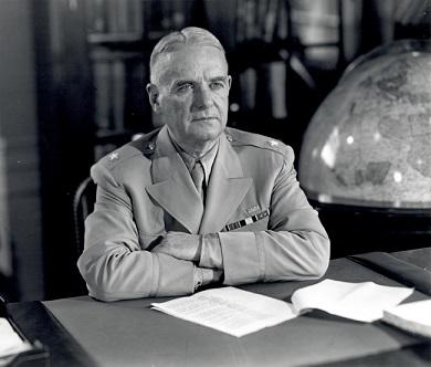 OSS長官時代のドノバン(1945年)