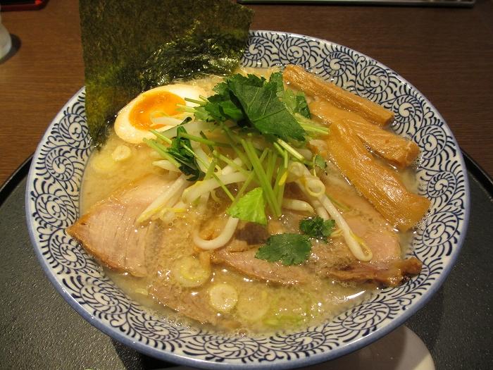 石黒 新潟煮干醤油ラーメン