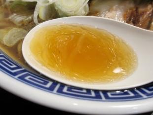 八ちゃん 中華ソバ小 スープ