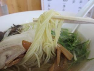 泰紋 鶏節ラーメン塩 麺
