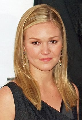 Julia_Stiles_by_David_Shankbone_cropped.jpg
