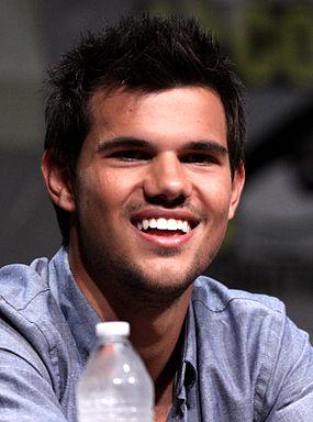Taylor_Lautner_Comic-Con_2012.jpg