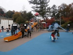岡崎東公園動物園アニモ前遊具2