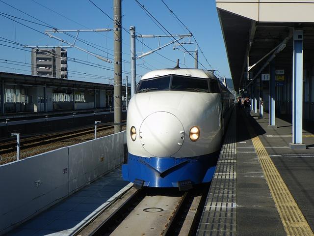新幹線のスカートの形の威力?
