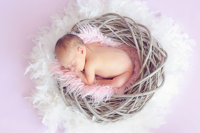眠る 赤ちゃん