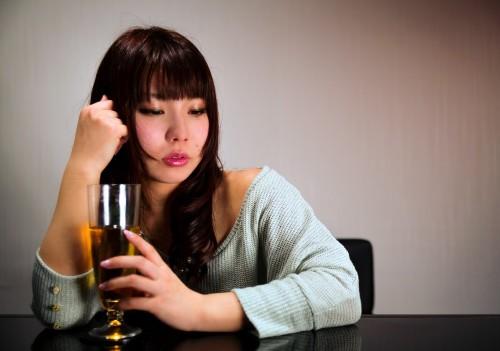 酔っているときに怪我をすると、血が止まらない?