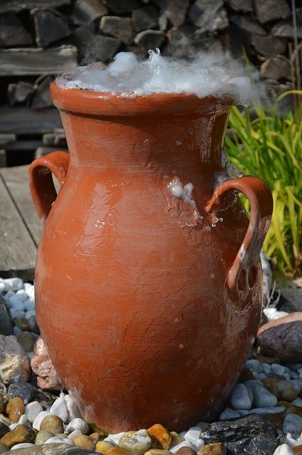 ドライアイスから立ちのぼる「煙」の正体は、二酸化炭素ではない?