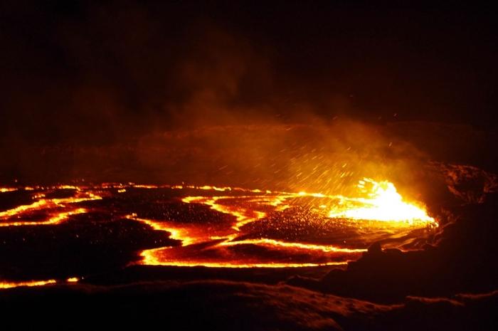 エルタアレ火山 (4)