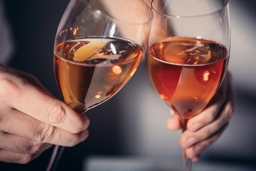 パーティー ワイン 乾杯