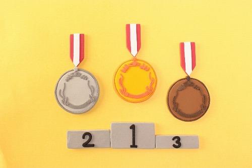 表彰台 メダル 競争 ランキング