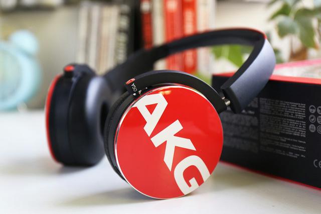 AKG_Y50_01.jpg